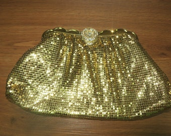 SPECTACULAR Vintage WHITING & DAVIS Gold Metal Mesh Clutch Purse