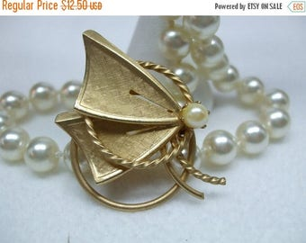 SALE 50% OFF Vintage Goldtone and Faux Pearl Brooch