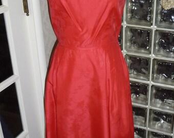 Vintage 40s 50s Red Brocade Dress portrait Sleeveless Holiday Cocktail Tea Length M Medium