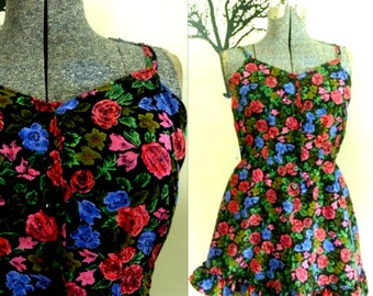 1980s One Piece Shorts Romper // Floral Roses are Red Violets are Blue