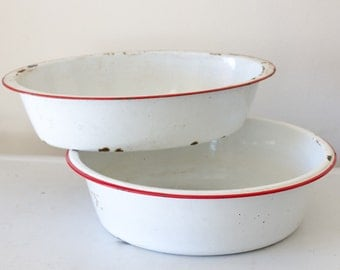 Vintage White with Red detail Enamel XL Wash Basin
