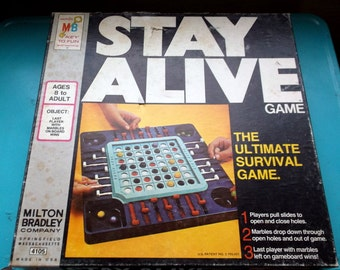 Vintage Complete STAY ALIVE game 1971 Milton Bradley The Ultimate Survival Game