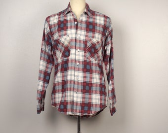 soft white red and blue Flannel Shirt shadow plaid check Men 70s vintage Country Squire button up shirt with pockets Medium 44 chest