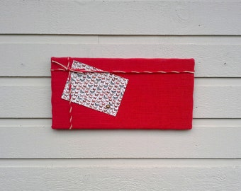 Pinboard Burlap and Twine Bulletin memo board, Red Burlap with striped red and white twine , nautical beach cabin decor, canadiana decor