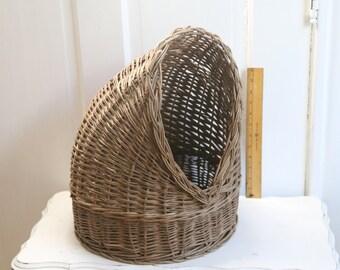 cat basket Wicker cat or dog bed vintage animal basket