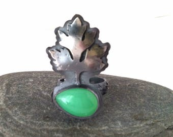 Chrysoprase and Sterling Silver Ring with Leaf - Awaken Ring - Size 7.5