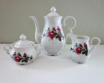 Vintage 1950s Moss Rose Teapot, Covered Sugar, Creamer Set, Made in Japan - Cottage Chic - Collectibles - Red Pink Rose Tea Set - Tea Party