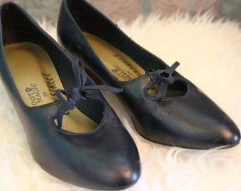 Sz 6.5 Leather Pin-Up Style Dark Blue 60's Vintage Pumps with Bow