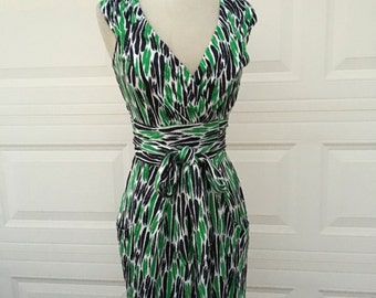 Vintage 1990s DVF Diane von Furstenberg green blue white art deco slevveless classic wrap dress size XS S
