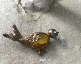 Vintage Chirping Bird Brooch with Topaz Jelly Belly and Rhinestones