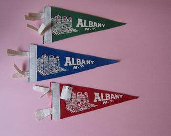 ALBANY New York VINTAGE SOUVENIR Pennant Banner Old Wool Felt  1950's Capital Building
