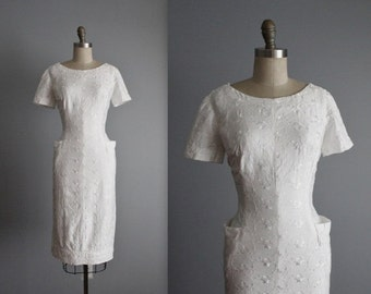 STOREWIDE SALE 50's Embroidered Dress // Vintage 1950's Embroidered White Cotton Garden Party Wiggle Dress L