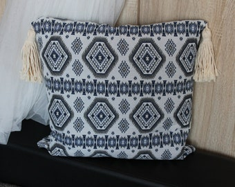 Jacquard pillow cover with fringes 18''x18'', Throw Pillow, Toss Pillow, Cushions, Boho style, gift idea for Christmas, Easter gift