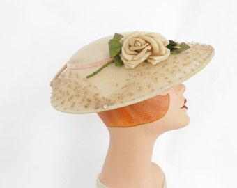 Vintage 1950s hat, beige with rose and tulle