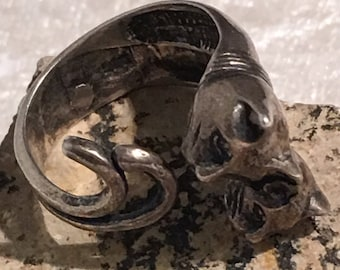 Sterling silver Cats wrap around ring .