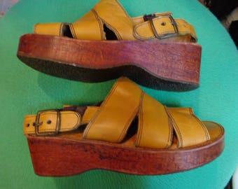 VINTAGE 1970's Ladies  Camel Bare Trap Wood Platform Sandals -  (available)
