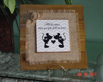 Wood with Burlap Micky and Minnie Wall Decor