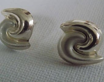 Vintage earrings swirling sterling hollow stud earrings, marked 925 signed earrings ,jewelry