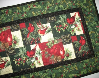 Christmas Table Runner Elegant, Cardinals, gold metallic, quilted