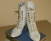 Victorian White Lace up Booties size 7 1/2