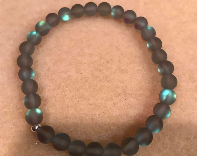 Grey Mystic Aura Glass Bracelet, Frosted Glass Bracelet, Matte Glass Bracelet, Iridescent Beaded Bracelet, Stretch Bracelet, Aurora Borealis