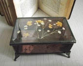 Stained Glass Jewelry Box with Pressed Flowers , Beveled Glass Box , Vintage Glass and Metal Storage Box , Glass Trinket Box with Hinged Lid
