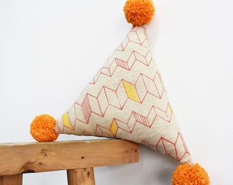 ZigZag Triangle Organic Linen Pillow
