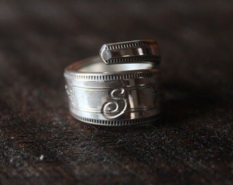 """Dazzling Antique Spoon Ring Wrap Style Monogrammed """"S"""" Size 7.5 - FREE SHIPPING"""