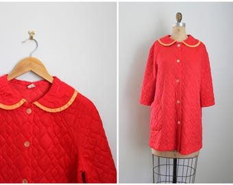 15 DOLLAR SALE! // lipstick red 1960s quilted robe - butterfly embroidery / vintage house coat - mod dressing robe / peter pan collar robe