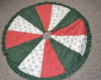Tree Skirt Christmas Hearts and Calico Print