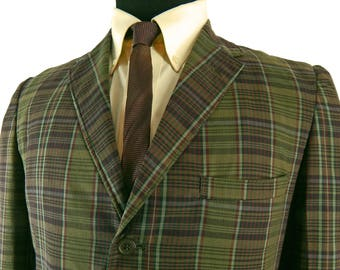 1960s Plaid Sack Jacket from h.i.s. Two Button Cuffs. Wash 'n Wear Sport Coat. Handsome Green, Plum and Red Plaid. Summer Weight.. 40 42