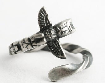Alaskan Totem Pole Ring, Sterling Silver Spoon Ring, Unique Vintage Animal Ring, Handmade Gift for Her or Him, Adjustable Ring Size (6606)