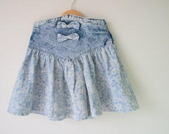 1980s BLUE JEAN Skirt..size 8 girls..kids. children. girls. gals. blue skirt. 1980s skirt. classic. school girl. mod. bow. party. acid wash