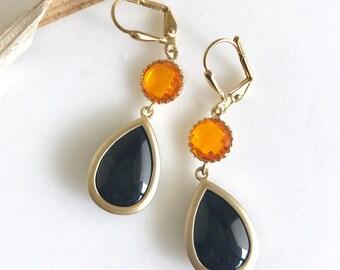Black Teardrop and Orange Halloween Earrings.  Black and Orange Dangle Earrings in Gold. Halloween Jewelry. Giants Colors. Drop Earrings.