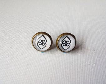 Asase Ye Duru Earrings - Adinkra Symbol Earrings - Heart Earrings