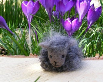 Black Sheep - Needlefelted little woolly sheep for Easter, Spring or someone fond of sheep (or the Black Sheep of the family...)