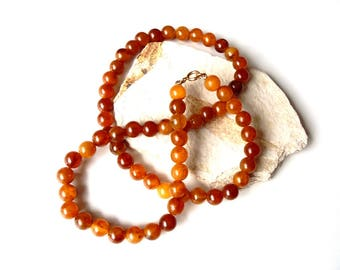 Vintage 1970s Sarah Coventry Faux Amber Bead Necklace Various Shades of Amber Colored Round Beads Signed Collectible Costume Jewelry