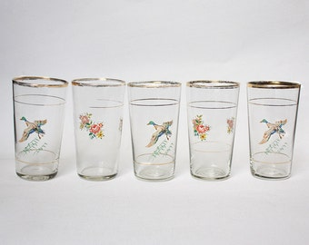 Five 1950s cordial / juice glasses with golden rims. Ducks and Flowers Glasses. Midcentury Modern Barware. Romantic glass