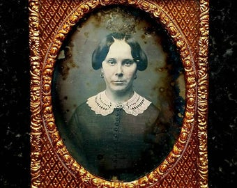 Nicely preserved Victorian lady daguerreotype in ambrotype style casing