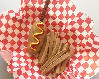 Corn Dog and Fries Dog Treat Basket - Carob Peanut Butter - Munchy Stick - for large dogs - burger & fries - Fast Food - french fries