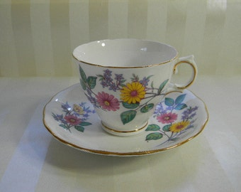 TEACUP, Vintage ROYAL VALE Bone China Cup and Saucer