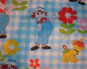 """40"""" of Vintage Raggedy Ann & Andy Fabric-44"""" Wide"""