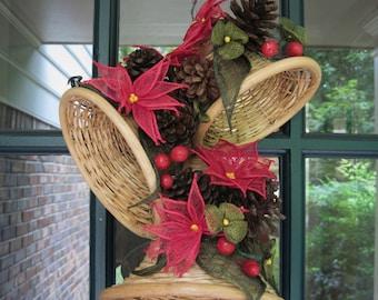 Vtg Large Hanging Wicker Rattan Christmas Bells Woven Poinsettias Pine Cones Berries Puerto Rico Beach Island Decor