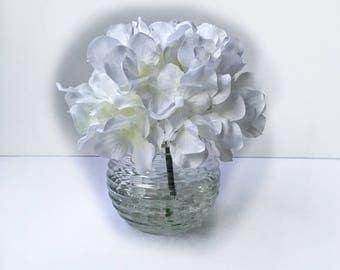 Single White Hydrangea Arrangement,  White Hydrangea, Hydrangea Decor, Floral Arrangement, Home Decor, Small Arrangement, White Decor