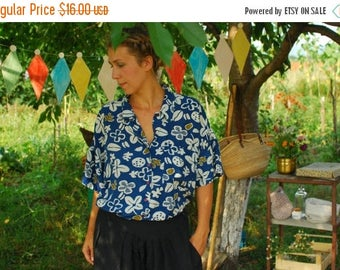 SALE Blue Floral Silk Shirt Summer Shirt VINTAGE 90's womens shirt