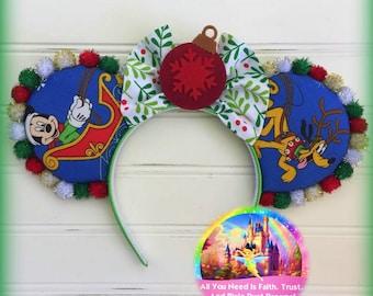 Mickey Mouse Sleigh RARE Vintage Fabric Christmas RTS Mouse Ears!!