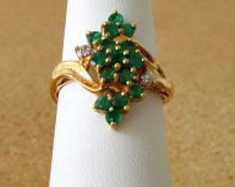 vintage 80s emerald cluster ring diamond accent 10kt gold size 7.5 free shipping