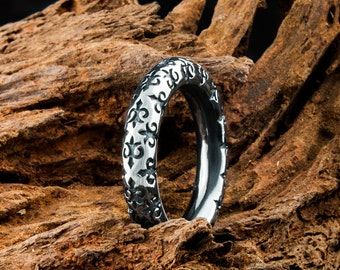 Mens Solid 925 Sterling Silver Underworld Double Dagger Stack Ring adorned with Fleur De Lis Design and Antiqued