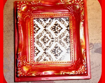 FRAME Shabby Chic, Weathered, Victorian Style, Gold & Red, Chalk Paint, Small 2 x 2-1/2 Inch Magnetic