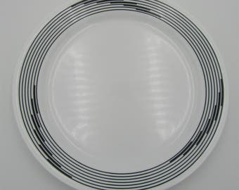 Corelle by Corning 10.25 inch Dinner Plate Optic Pattern Black Rings or Lines